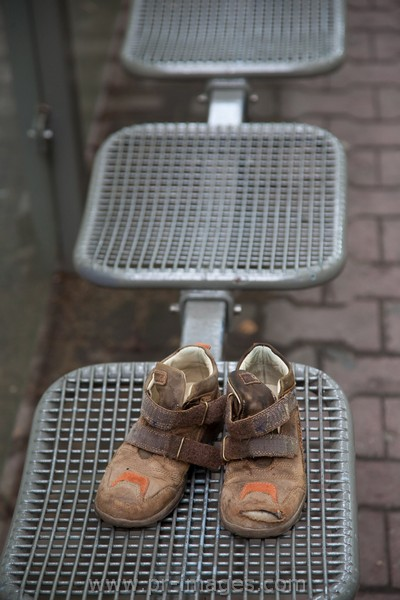 00073-frankfurt-germany-bus-shelter-shoes