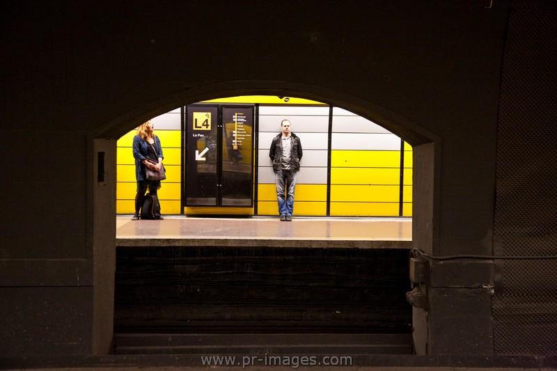 00105-spain-barcelona-underground